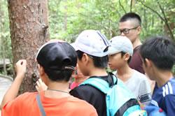 山梨県で保養キャンプを満喫する福島の子ども達。