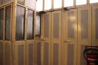 この壁がムスリムの参拝所とユダヤ教徒の参拝所を二分している。