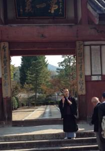 萬福寺総門前