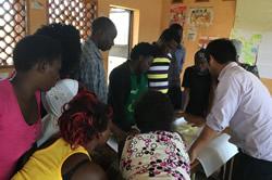 パートナー団体のスタッフ、ボランティア、理事、県の行政官など様々なステークホルダーを巻き込むプログラム