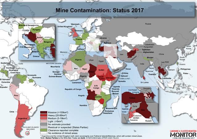 地図上で赤色の濃い地域が特に汚染度が高い。緑色は除去が完了した地域。灰色はデータが得られていない地域。(出典:ランドマインモニター2017)