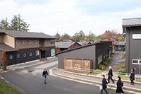 広い敷地にたくさんの施設があるシェア金沢