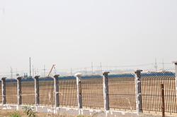 工事中のティラワ経済特区。まだ手つかずの土地も多く残されている。