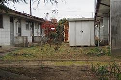 平屋の市営住宅。今は住める状況ではない。